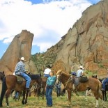 tarryall-river-ranch-horseback