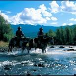 el-rancho-pinoso-horseback