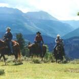 powderhorn-guest-ranch-horseback