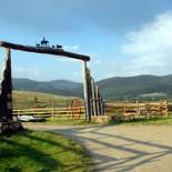 waunita-ranch-entrance