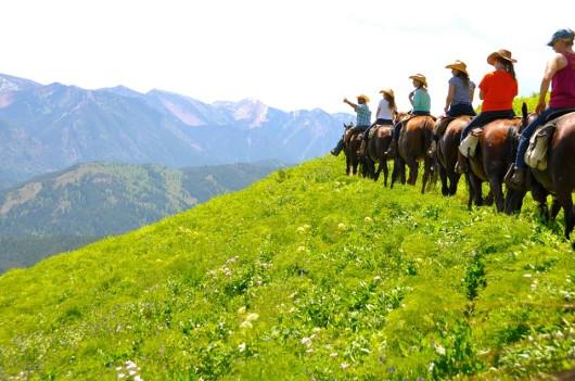 horseback-views-spotted-horse-ranch