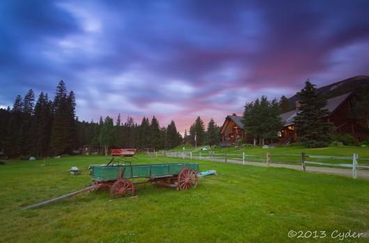 purple-sunset-lone-mountain